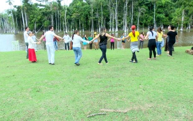 Atividades de relaxamento, desenho e pintura foram desenvolvidas ao longo do dia na Ufac (Foto: Bom Dia Amazônia)
