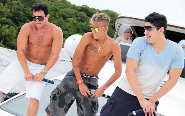 Neymar faz coreografia com dupla sertaneja em Santa Catarina (Foto: divulgação, Vinicius Guedes / Click Touche)