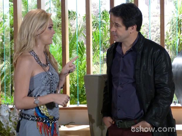 Megan pede que pai não deixe Manu ganhar o concurso (Foto: Geração Brasil/TV Globo)