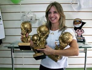 Atleta de levantamento de peso Valesca Rocha exibe suas conquistas (Foto: Divulgação/Arquivo Pessoal)