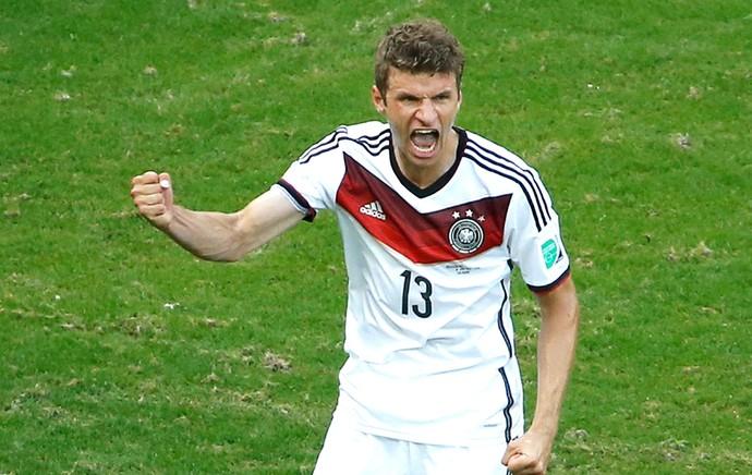 Thomas Muller comemora gol da Alemanha contra Portugal (Foto: Agência Reuters)
