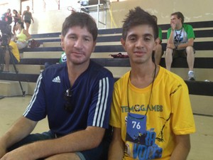 Artur (camiseta amarela) treinou durante dois meses (Foto: Tatiane Santos / G1)