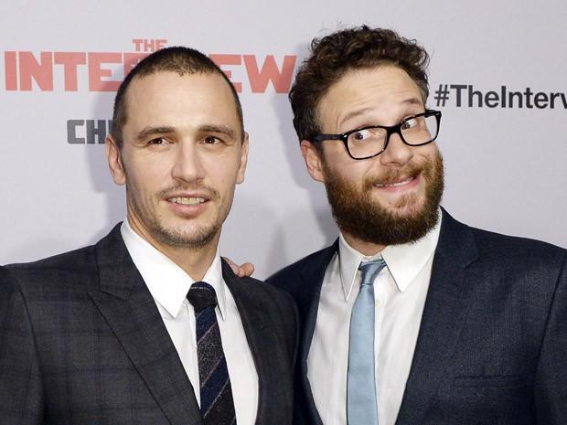 James Franco e Seth Rogen divulgam o filme 'A entrevista' em pré-estreia em Los Angeles, Califórnia, nesta quinta (11) (Foto: REUTERS/Kevork Djansezian)
