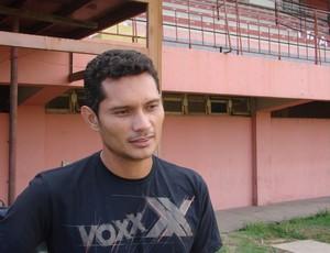 Léo Oliveira, meia da Desportiva Ferroviária (Foto: Bruno Marques/Globoesporte.com)