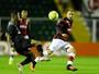 Com gol de Dodô, Figueirense bate o Vitória e respira na luta contra o Z-4