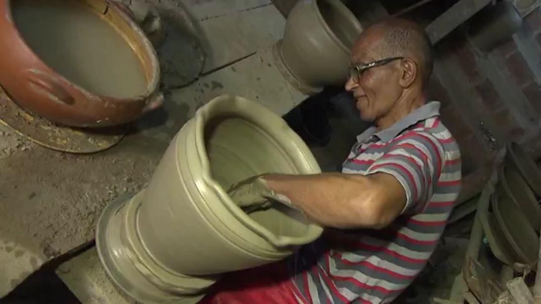 Vitorino Silva, conhecido na região como Seu Zé, aprendeu o ofício com o pai (Foto: Divulgação)