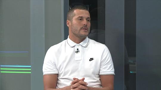 Jogo com os pés de Éderson chamou a atenção de Guardiola, diz Júlio César
