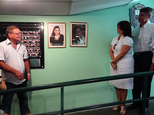 Fotografias das estudantes foram fixadas nas paredes da Universidade (Foto: Divulgação/UEA)