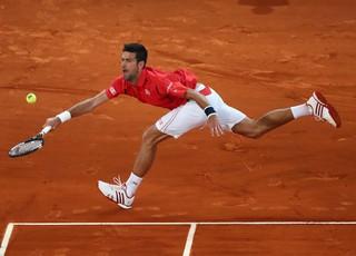 Novak Djokovic avança à semifinal do Masters 1000 de Madri (Foto: Julian Finney / Getty Images)