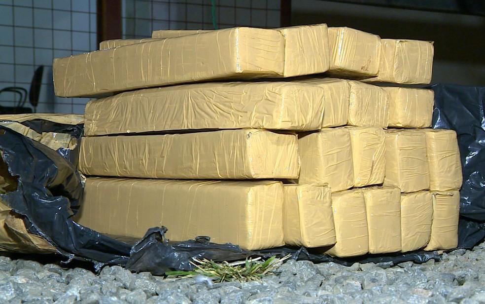 Tijolos de maconha encontrados em Campinas (Foto: Reprodução EPTV)