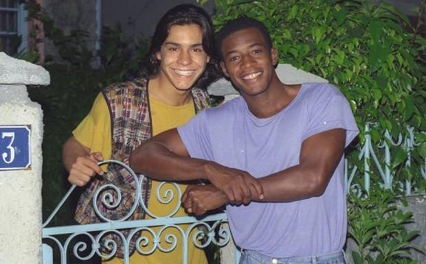 André Gonçalves e Lui Mendes viveram o casal gay Sandrinho e Jefferson em 'A Próxima Vítima' (1995) (Foto: Divulgação)