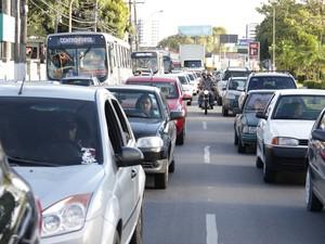 IPVA de carros usados tem redução em 2013 (Foto: Jonathan  Lins/G1)