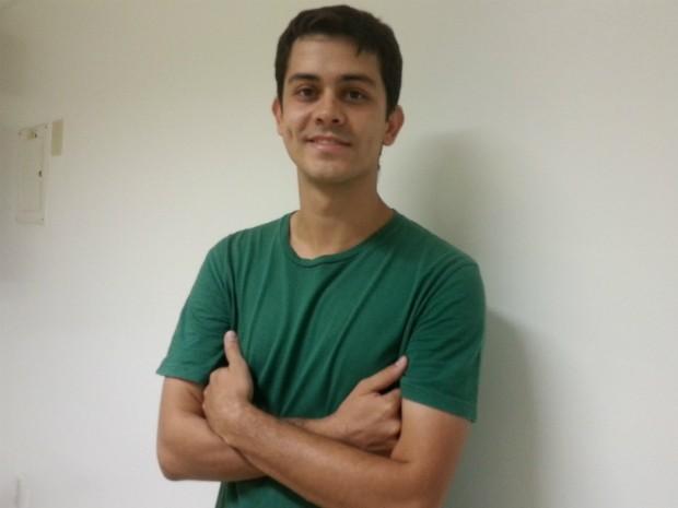 Comendiante Marcelino Macedo se apresenta em Montes Claros. (Foto: Nicole Melhado / G1)