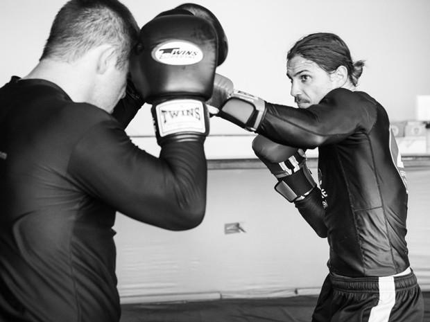O ator fica muito concentrado durante todo o treino  (Foto: Felipe Monteiro/Gshow)