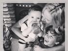 Claudia Leitte paparica os filhos e mostra foto fofa