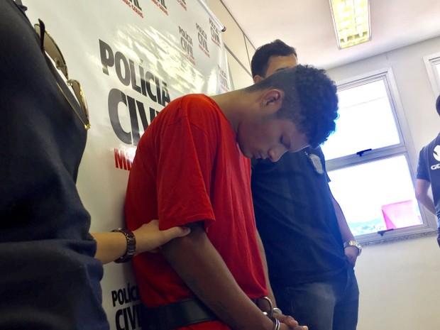 Homem de 23 anos foi preso por ter cometido estupros em Montes Claros (Foto: Juliana Gorayeb/G1)