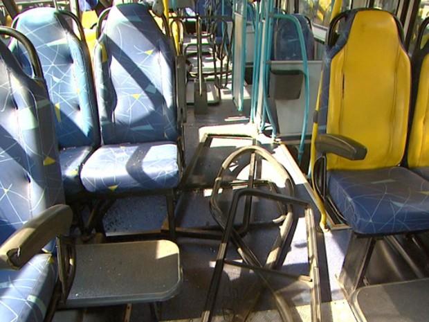 Número de ônibus depredados triplicou em Campinas (Foto: Reprodução/EPTV)