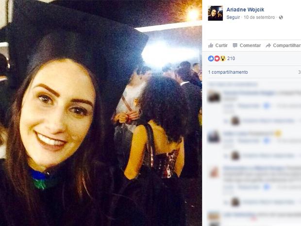Ariadne postou mensagem em rede social denunciando assédio (Foto: Reprodução/Facebook)
