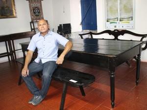 Paulo Henrique de Sousa Martins é da quinta geração da família de Manoel de Sousa Martins. (Foto: Gilcilente Araújo/G1)
