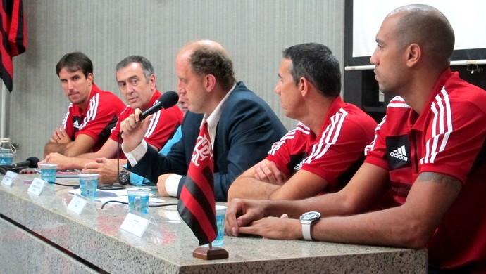 coletiva de imprensa do Flamengo - Basquete (Foto: Fabio Leme)