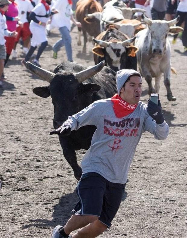 Christian Plaing ficou conhecido por tirar a 'selfie mais perigosa do mundo' (Foto: Reprodução/Imgur/Zchavago)