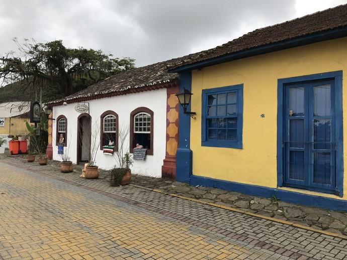 Arquitetura açoriana da comunidade é uma das mais conservadas de SC (Foto: Mistura/RBS TV)