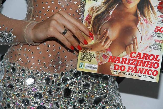 Carol Narizinho lança ensaio nu em boate em São Paulo (Foto: Amauri Nehn/ Ag. News)