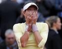 Muguruza mostra força, adia recorde de Serena e conquista Roland Garros