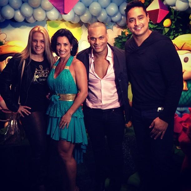 Carla Perez, Scheila Carvalho, Tony Salles e Xanddy (Foto: Instagram/ Reprodução)