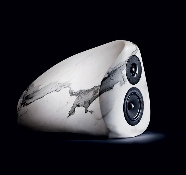 Estrutura sólida: a rigidez natural do mármore reduz vibrações indesejáveis às caixas Anderson Speakers (Foto: Michael Hedge)