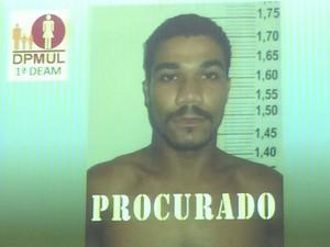 Foto do suspeito de estuprar estudante de medicina em Recife (Foto: Thays Estarque/G1)
