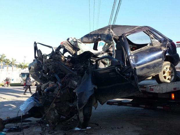 Acidente ocorreu na manhã desta sexta-feira (1) em Itajaí (Foto: Luiz Souza/RBS TV)