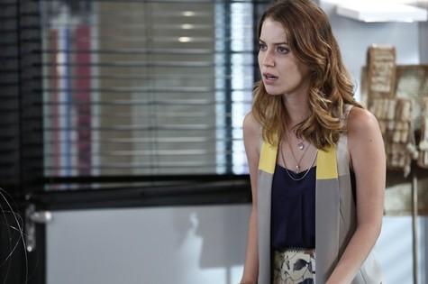 Nathalia Dill é Laura em 'Alto astral' (Foto: TV Globo)
