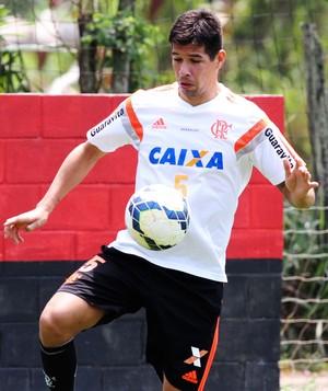 caceres flamengo (Foto: Gilvan de Souza / Flamengo)
