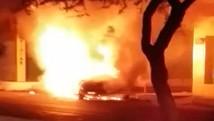 Após acidente e discussão, homem ateia fogo em carro (Reprodução/TV Clube)