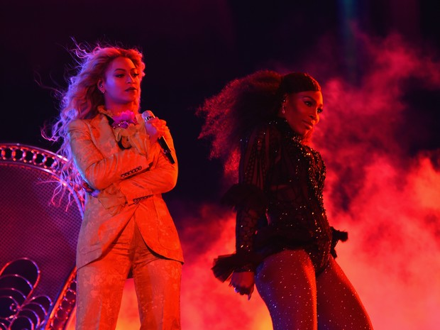 Beyoncé e Serena Williams em show em Nova Jersey, nos Estados Unidos (Foto: Larry Busacca/ Getty Images/ AFP)