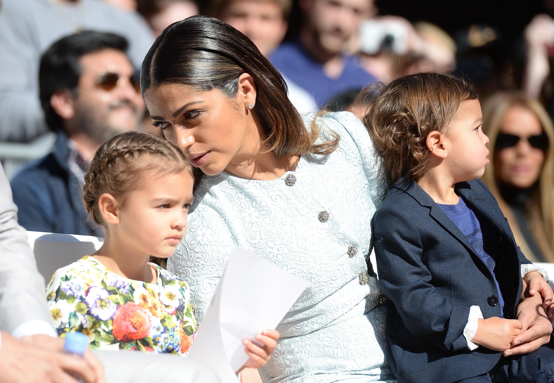 Camila Alves e os filhos  (Foto: Getty Images)