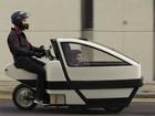 Protótipo de scooter elétrico leva passageiro na dianteira