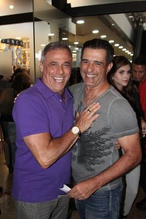 Oscar Magrini e MAscos Pasquim em espetáculo na Zona Oeste do Rio (Foto: Rogerio Fidalgo/ Ag. News)