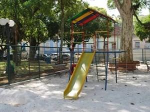 Parque Infantil da Praça Visconde do Rio Preto, o Jardim de Cima, no Centro de Valença (Foto: Divulgação/Site Prefeitura Valença)
