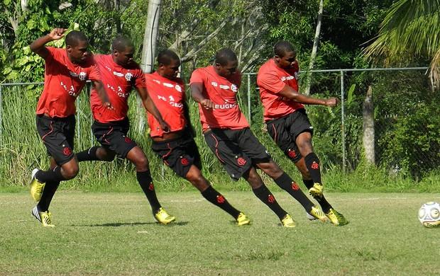 montagem sequência Renato Abreu chute Flamengo (Foto: Raphael Bózeo)