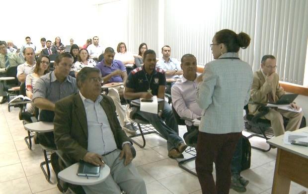 Servidores públicos e privados participam do treinamento em Rio Branco (Foto: Bom Dia Amazônia)
