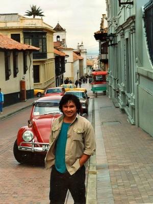 Na primeira viage fora do Brasil, em Bogotá, na Colômbia (Foto: Arquivo Pessoal)
