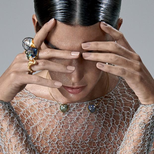 Mente sã, corpo em forma (Foto: Zee Nunes/Arquivo Vogue Fonte Thetahealing: Thiago Fonseca (Simeuautorizo.com))