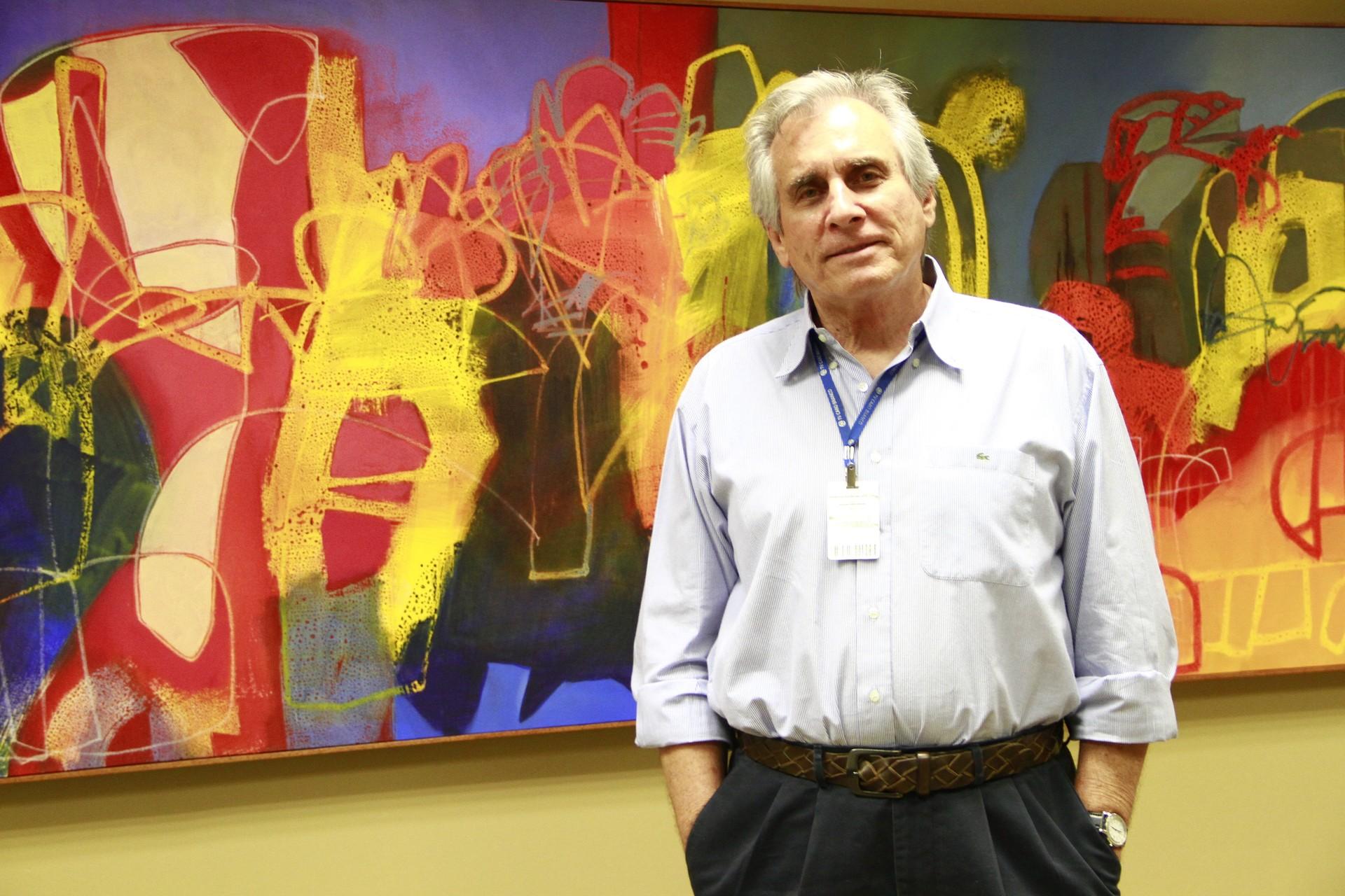 Superintendente da Rede Paraíba de Comunicação, Guilherme Lima, fez balanço do projeto de expansão do sinal digital que começou em 2009 (Foto: Kleide Teixeira/Jornal da Paraíba)
