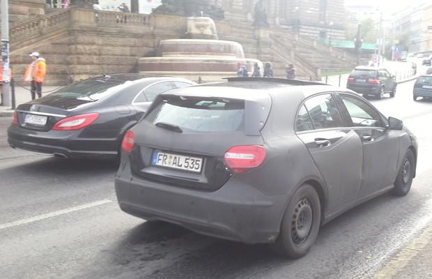 Hatch é escoltado por um CLS 550 (Foto: Tiago Batista / VC no AutoEsporte)