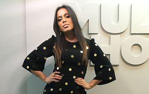 """Anitta escolhe look """"espelhado"""" para receber Jorge Vercillo, Falamansa e Revelação"""