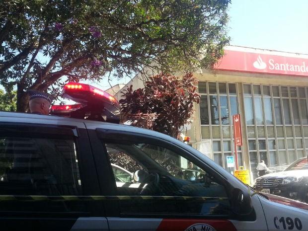Tiroteio em banco de Jundiaí (Foto: Anélio Trevisan / TV Tem)