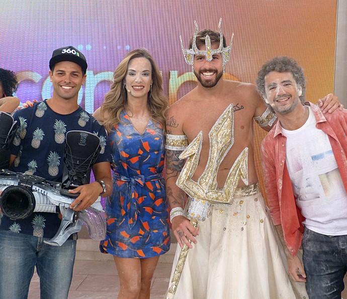 Convidados que desfilaram com os apresentadores (Foto: Cristina Cople/Gshow)