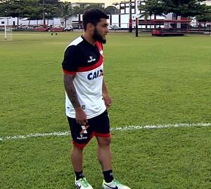 Thiago Primão, meia do Atlético-GO (Foto: Reprodução/TV Anhanguera)